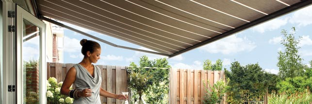 product-banner-luxaflex-awnings3